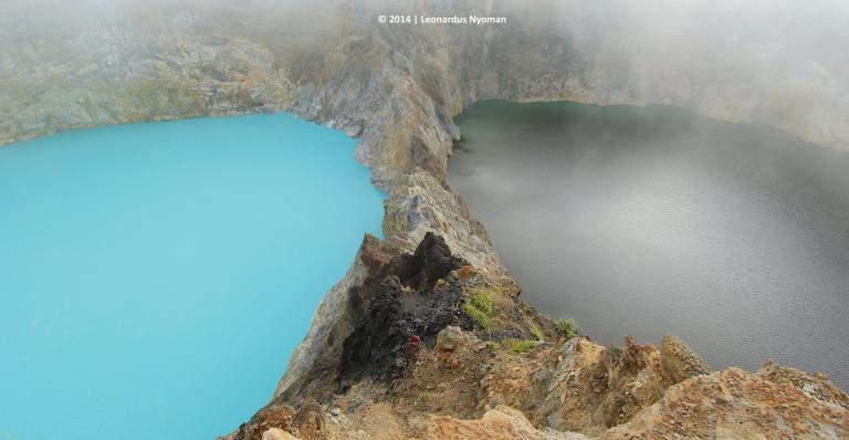 © Leonardus Nyoman https://500px.com/photo/122195179/kelimutu-lakes-flores-island-by-leonardus-nyoman
